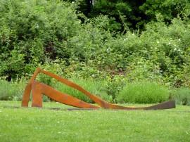 »Große Liegend«Eisen | 64 x 240 x 13 cm