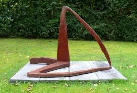 »Rechter Winkel«Eisenguss | 103 x 150 x 76 cm